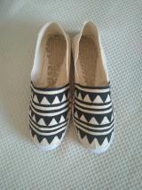 Zapatillas esparto patrón triangular